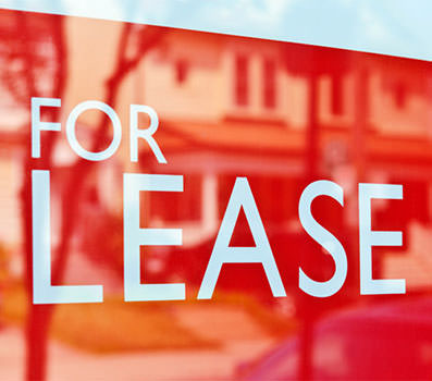 get an experienced franchise leasing lawyer